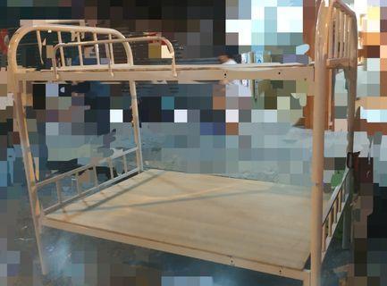 80%new 双層4尺乘6尺上下格铁床(連床板)