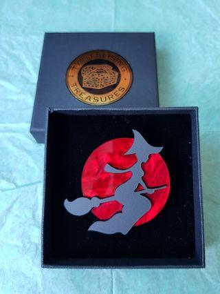 🇦🇺BNIB🇦🇺 BLOOD MOON - Witch on Flying Broomstick - Limited Edition Brooch