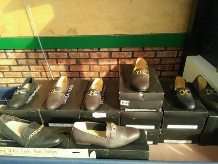 Leather shoes by lanbaharin