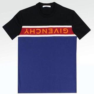 🍁GIVENCHY UPSIDE DOWN LOGO TEE🍁*price reduced*