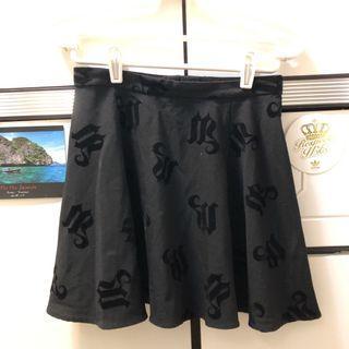 H&m黑色半截裙 skirt