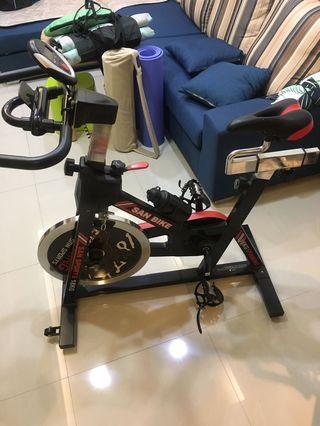 SAN SPORTS BIKE山司伯特-黑爵士18公斤飛輪健身車
