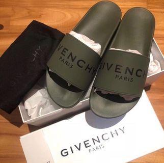 Givenchy Slide Black