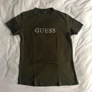 guess tee in olive green
