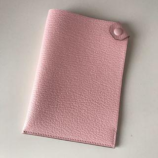 BNIB Hermes tarmac passport holder in rose Sakura (pink)