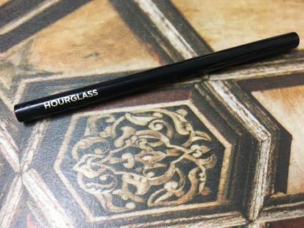 Hourglass gel eyeliner ( Black)
