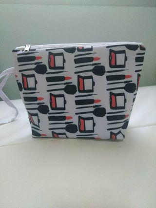 NEW make up Pouch