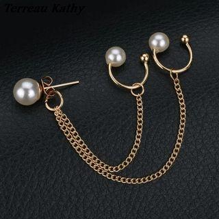 [INSTOCK] Gold Pearl Chain Ear Cuff