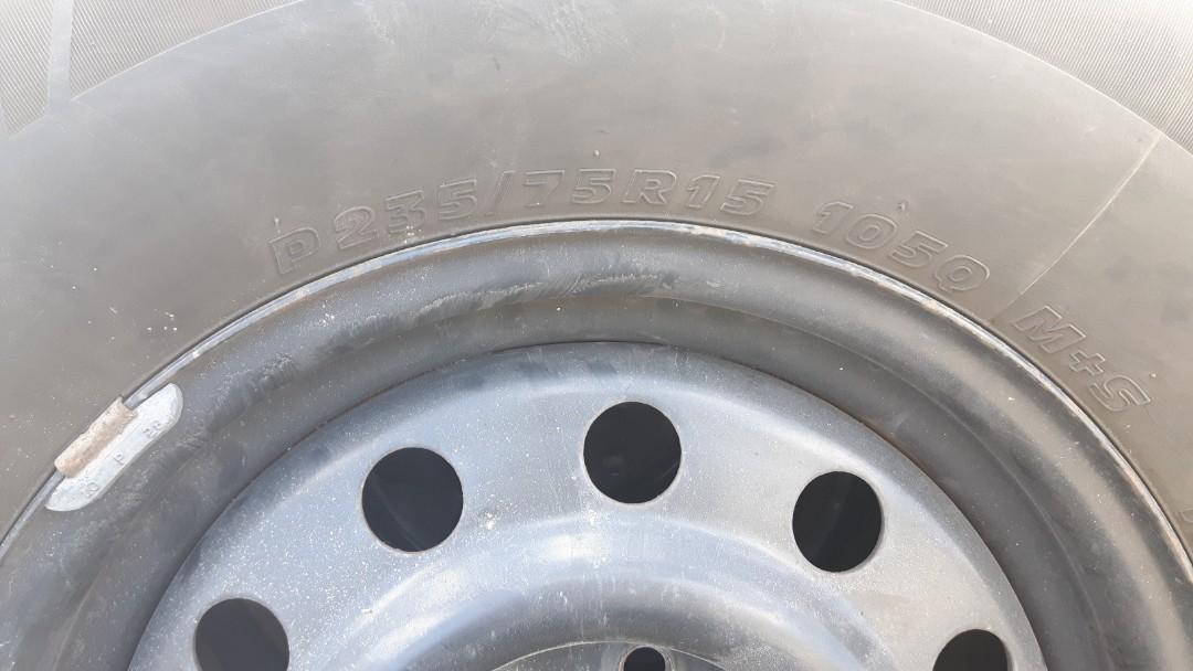 1999 Dodge Dakota steel rims P235/75R15 with used winter tires