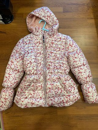 c05bf068c winter jacket girl | Attractions | Carousell Singapore