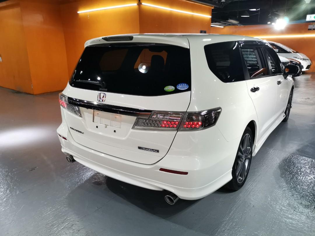 2011制 Honda Odyseey Absolute Facelift 2.4