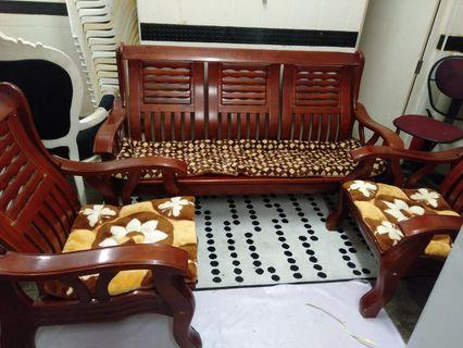 🚚 Wooden Sofa Set
