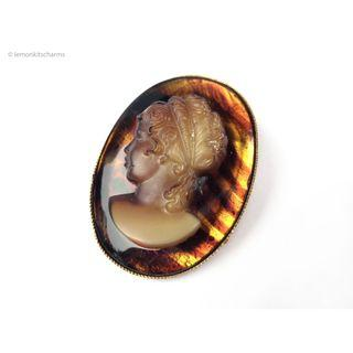 Vintage 1960s 1970s Brown Glass Cameo Brooch Pin, bh381