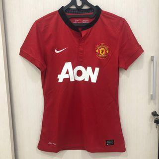 Manchester United Jersey woman