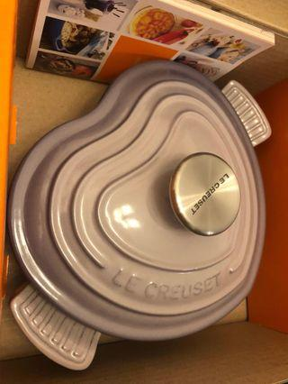 Brand new 20cm Le Creuset Heart Shape dish with lid