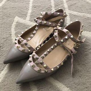 Authentic Valentino rockstud flats in greyish purple/ lavender Color
