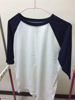 🚚 藍白五分袖上衣