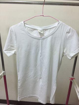 🚚 白色上衣