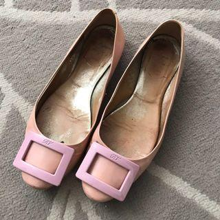 Authentic roger vivier flats in light pink patent color