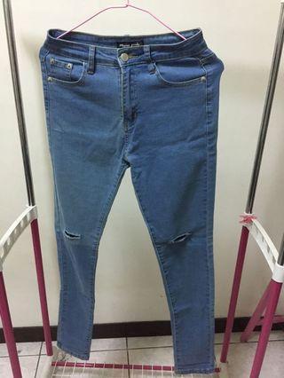 🚚 淺藍破洞牛仔褲