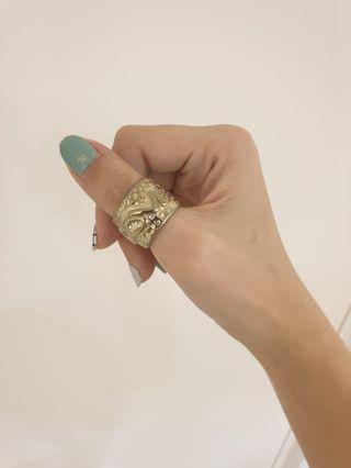 LOVE thumb ring