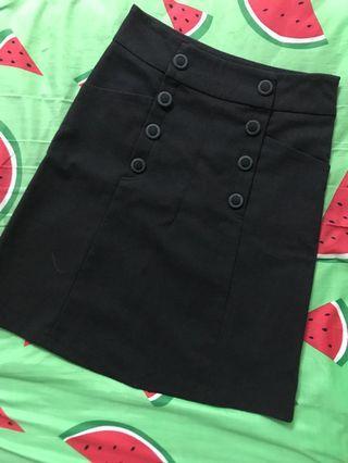 扣子冬季黑裙