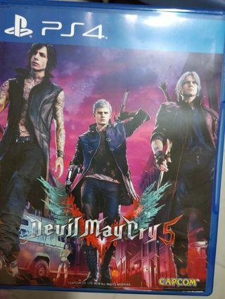 🚚 Selling ps4 devil may cry DMC 5 (code unredeemed)