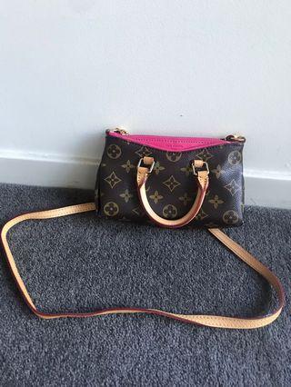 Louis Vuitton mini bag