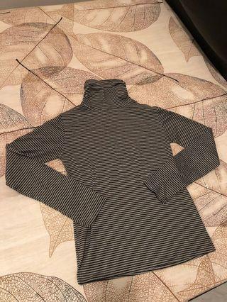 黑白間條樽領衫