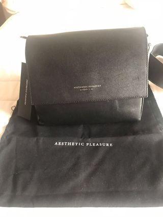 Aesthetic pleasure bag