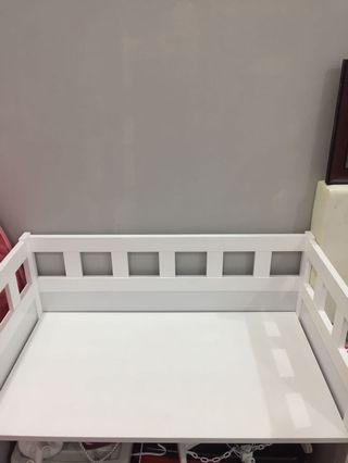 Baby side bed cot