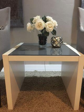 SSF Square table with glass in top