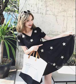 Candy w❤️實拍❤️ 俏皮V領星星亮片黑色短洋裝
