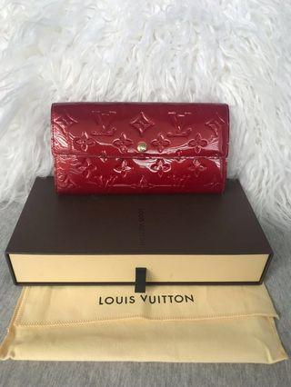 100% Authentic Louis Vuitton Sarah Wallet Monogram Vernis