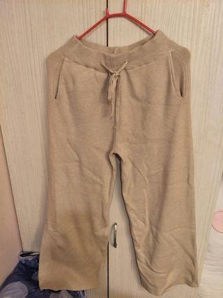 奶茶色厚磅寬褲