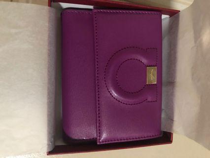 🚚 Ferragamo wallet