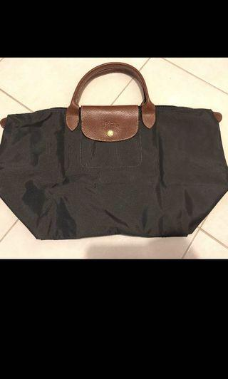 Authentic Longchamp le pileage large 48 x 28 cm . Grey color .Use only once .Excellent condition like new .No defect no color faded . Perfect