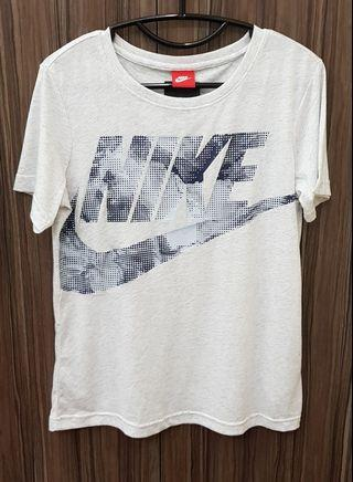 Ladies Nike Tshirt