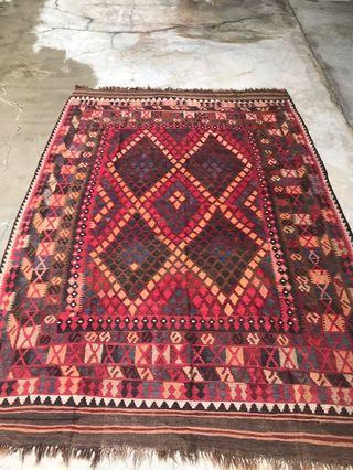 Vintage handmade Kilim rug (2.89 x 1.8 m)