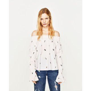🚚 (BN) 💯 Authentic Zara Floral Embroidered Off The Shoulder Top