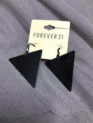 Earring each 1 Rm 5