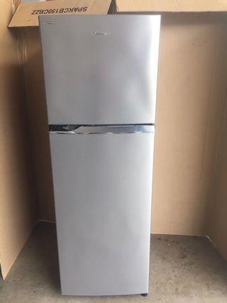 Panasonic fridge 2 dr 333L $250