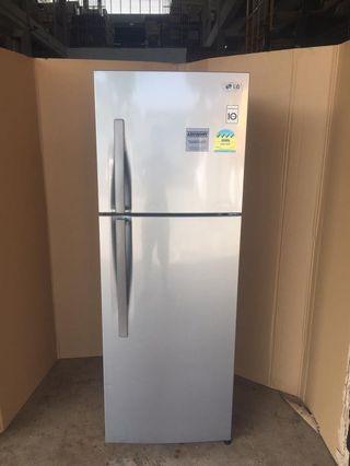 LG fridge 2dr 318L $300