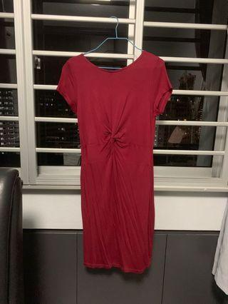 Kitschen midi knot dress in maroon