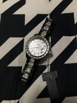 Bn Toy watch with crystal