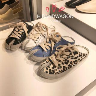 【H.BANDWAGON】韓國休閒運動風帆布素面豹紋綁帶夾腳分趾造型圓頭平底穆勒鞋 勃肯 涼拖鞋 半拖鞋 帆布鞋