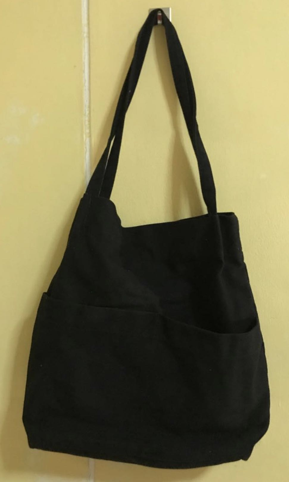 2 pocket tote bag