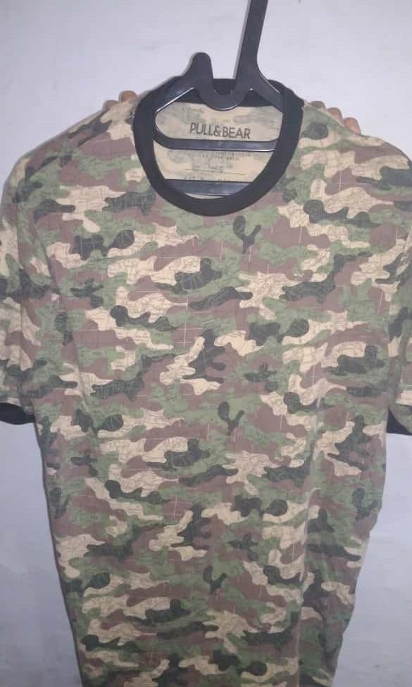 Baju army pull & bear