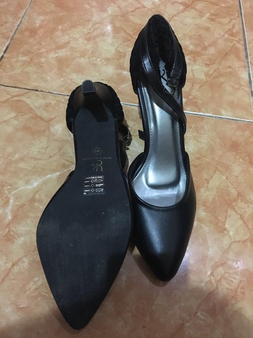 Black Heels Bermerek Like New