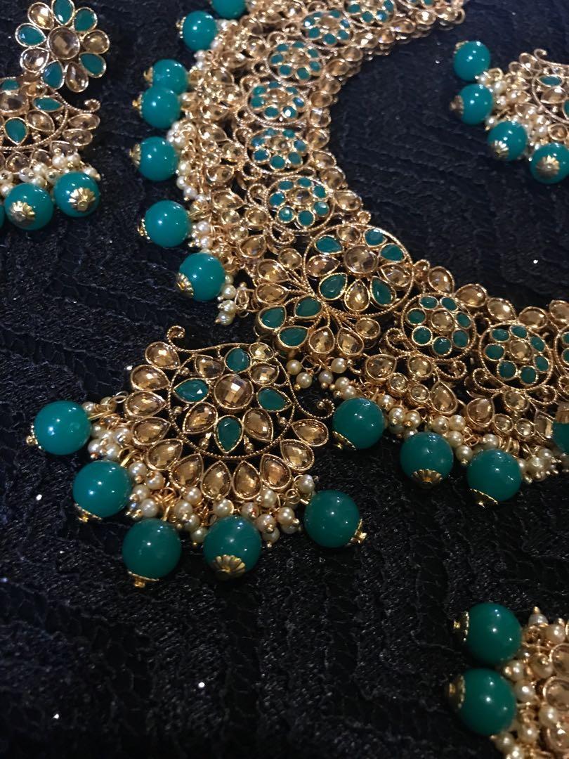 Green Wedding Indian Pakistani Kundan Necklace With Earrings and Maang Tikka